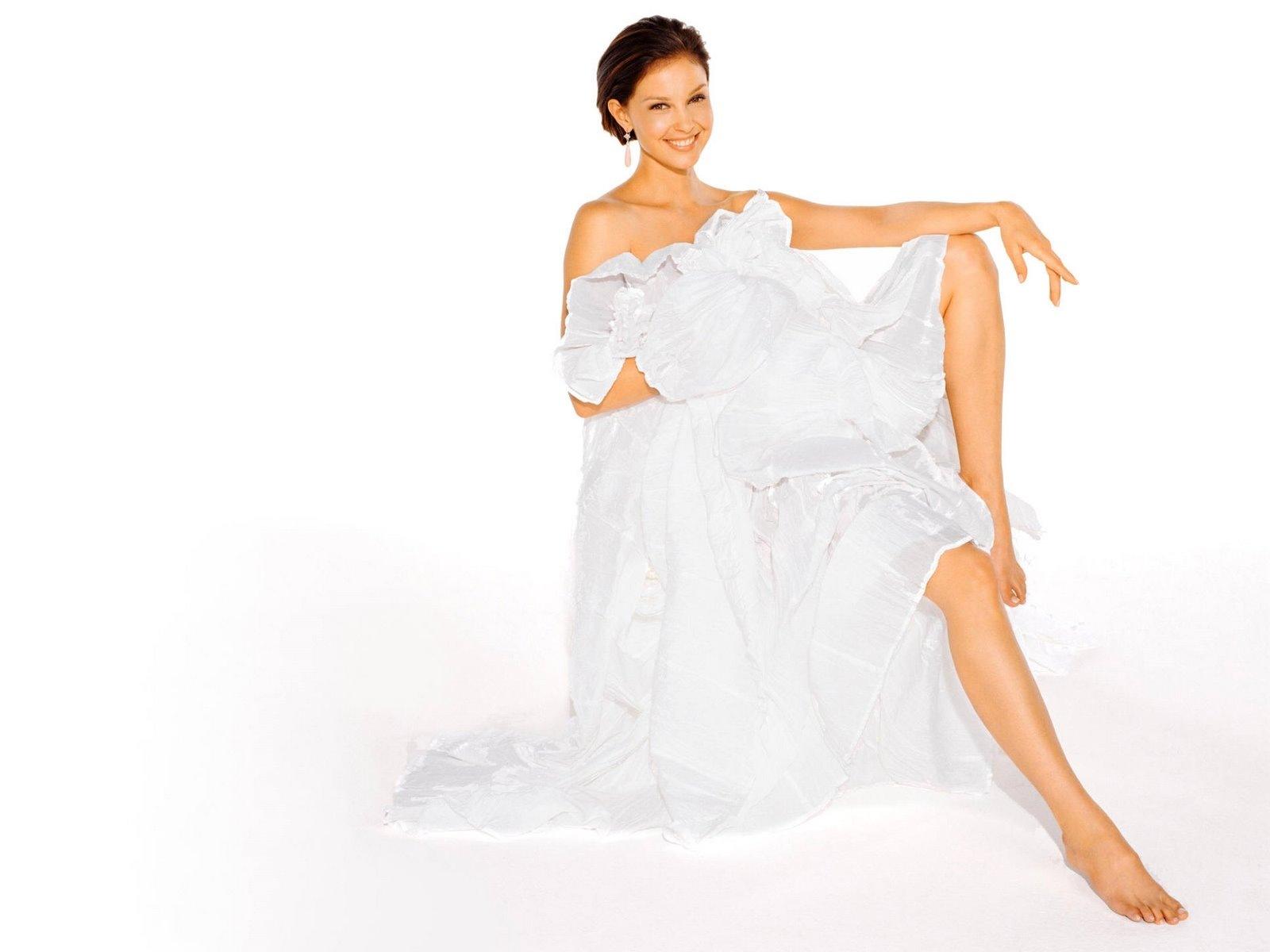 [Ashley Judd 11 1600x1200 hqmodelwallpapers[2].jpg]
