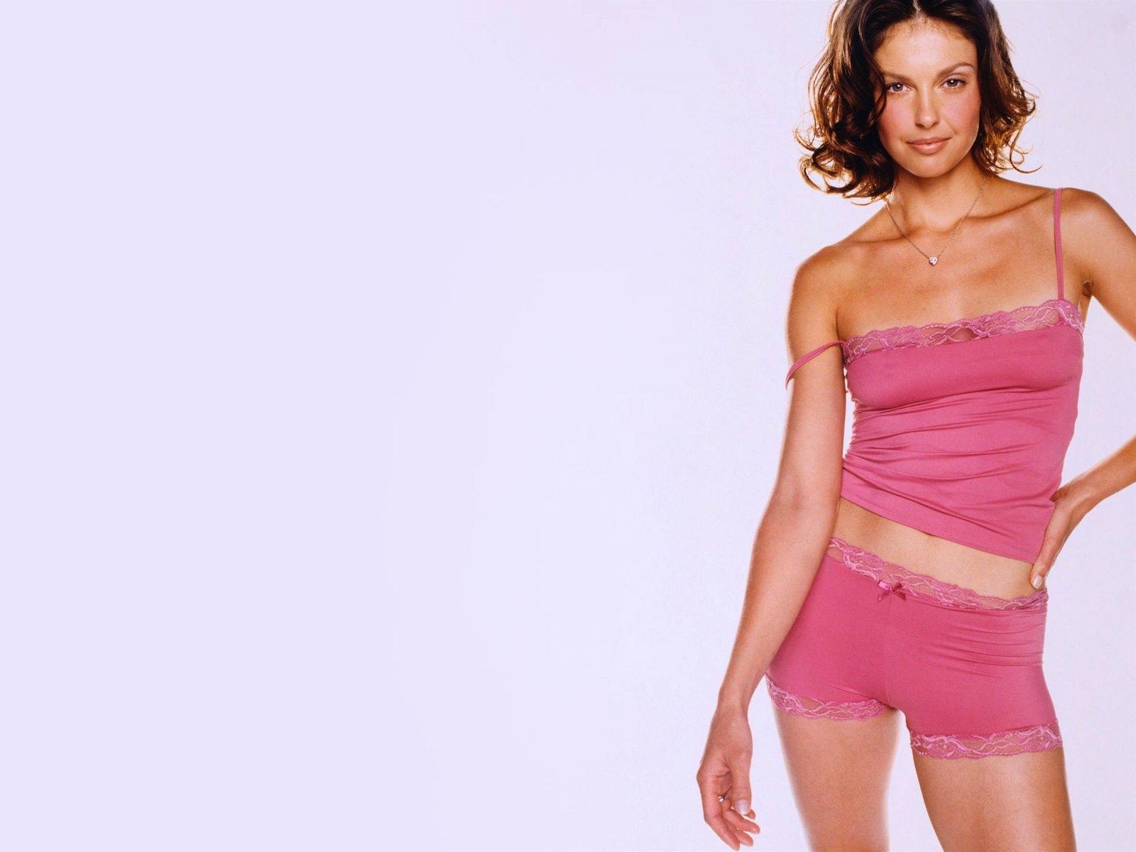 [Ashley Judd 12 1600x1200 hqmodelwallpapers[2].jpg]