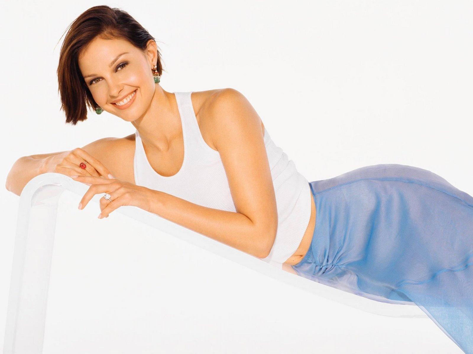 [Ashley Judd 15 1600x1200 hqmodelwallpapers[2].jpg]