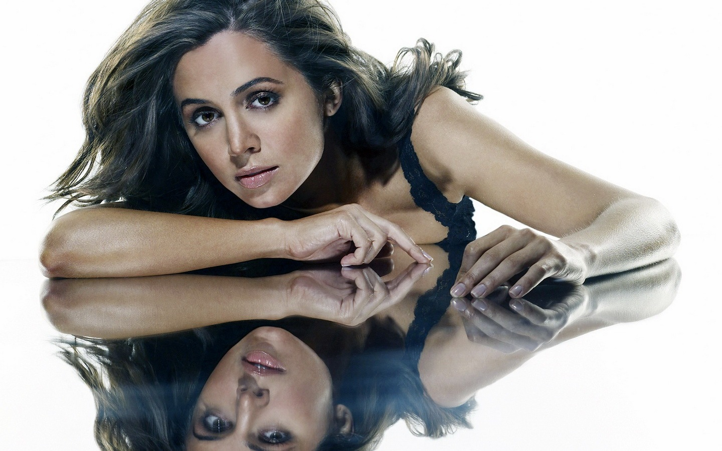 [Eliza Dushku 1440x900 13 unique desktop wallpapers[2].jpg]