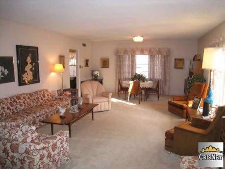 [1950-living-room[3].jpg]