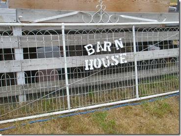 barn house 001