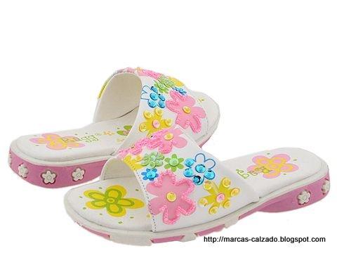 Marcas calzado:YH776804
