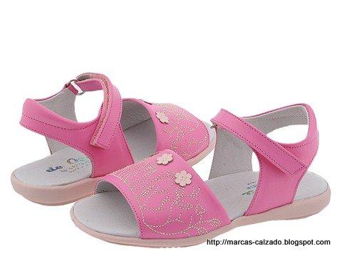 Marcas calzado:DQ776865