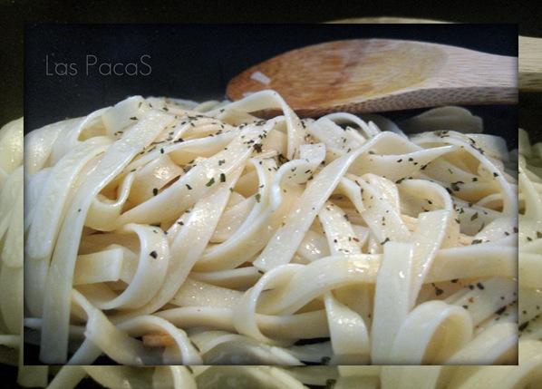 Pasta al Ajo y Albahaca_picnik