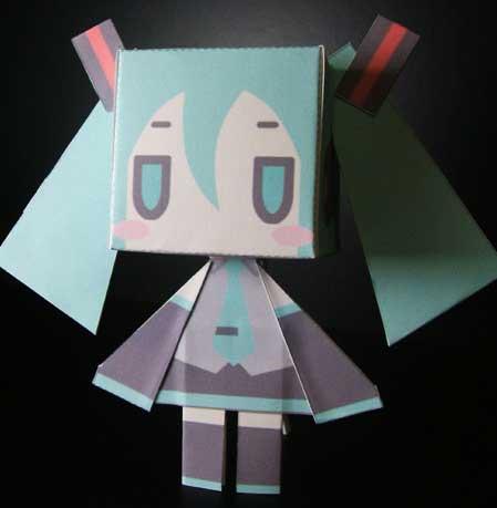 Cubic Hatsune Miku Papercraft