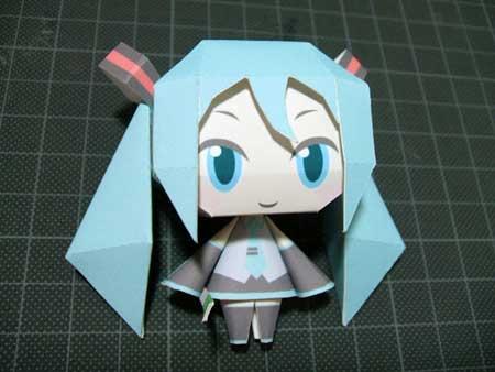 Chibi Hatsune Miku Papercraft 4