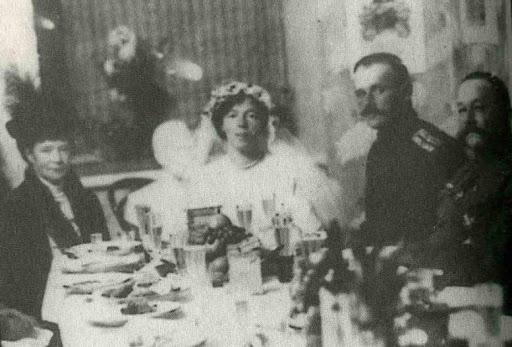 Grandes duques y G. Duquesas: Jorge, Xenia y Olga - Página 8 Olga%20Alexandrovna%20(1882-1960)%2C%20and%20Colonel%20Nikolai%20Kulikovskiy%202