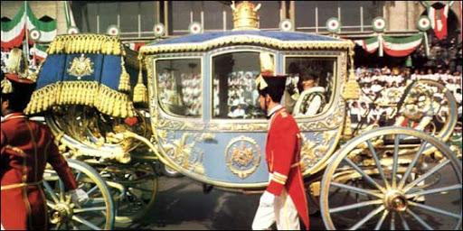 Carruajes, vehículos y veleros reales - Página 3 4_farah_coronation26