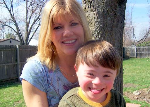 http://lh3.ggpht.com/_4RY9fehkTfs/RhT8yqWUgCI/AAAAAAAAA8E/VztKOyMCEkI/Amy+and+Caleb.jpg