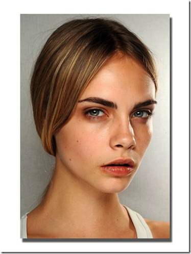 burberry-backstage-beauty-fall-2011