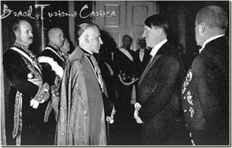 Papa Pio XII, se reunindo com Adolf Hitler em 1939