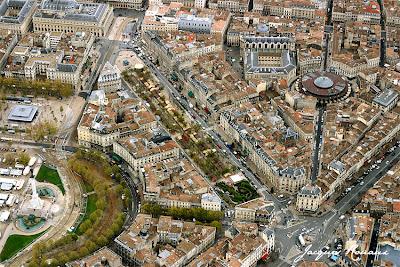 Photo aérienne des allées de Tourny avec le Marché de Noël