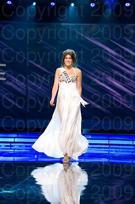 grecia1 Miss Universo 2009: Inspirações para vestidos de madrinha e noiva