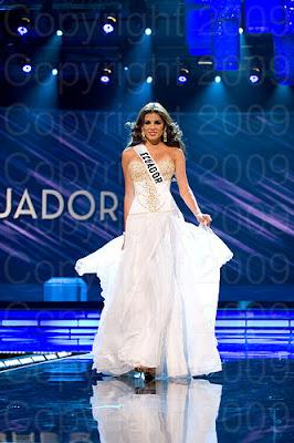 equador1 Miss Universo 2009: Inspirações para vestidos de madrinha e noiva