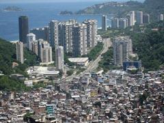 a-transformacao-do-espaco-e-as-relacoes-sociais-e28093-vista-parcial-da-favela-da-rocinha-rio-de-janeiro-foto-alicia-nijdam-licenciado-pelo-creative-commons-atribuicao-2-0-generica2