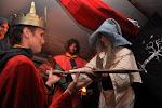 Poslední kratochvílí na oslavě bylo pasování nového krále lidí, Aragorna.