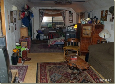 02 Living & bed room in little house Yarnell AZ (800x587)