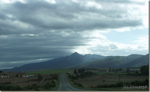 03 Storm clouds over N2 W Little Karoo Western Cape ZA (1024x628)
