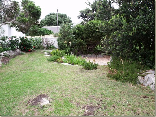 04 Front yard at Anchors Rest B&B Hermanus Western Cape ZA (1024x768)