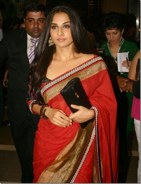 Vidya-balan-Red-Saree-Delhi-Couture-Week-2010