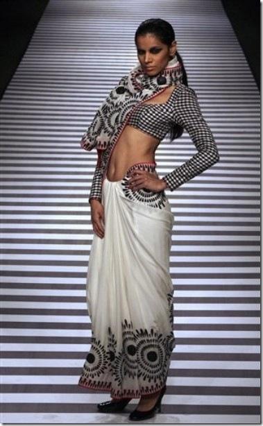Reynu-Tandon-Designer-Sari