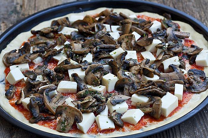 3Pizza cu ciuperci