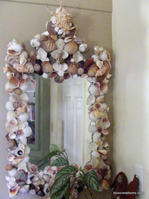 огледало украсено с раковини
