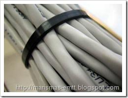 Mazo de cables con brida plástica