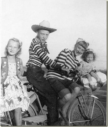 Sweety, Uncle Buddy, Sugar and MaryE 001
