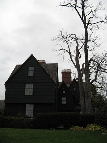 hawthornes symbolism in the house of seven gables