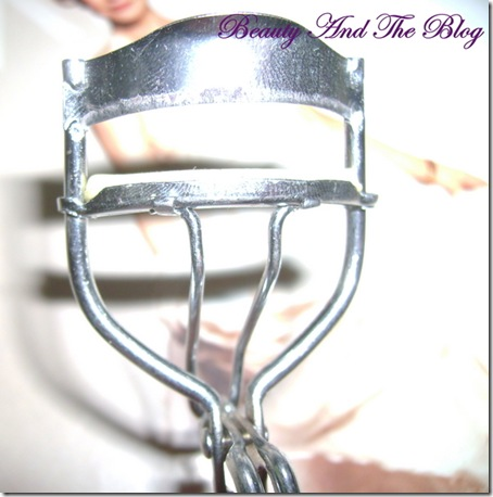 Vega Eyelash Curler Review