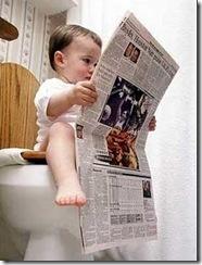 lendo um jornal