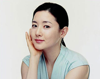 Lee Young Ae เซ็นสัญญาบริษัทใหม่ สยบข่าวลือออกจากวงการ