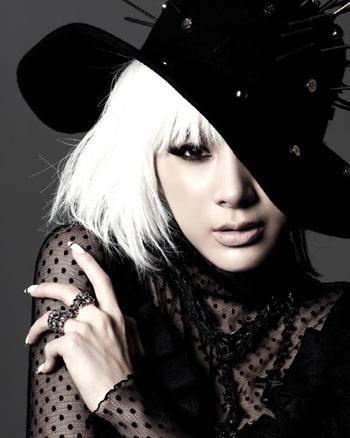 Seo In Young เปลือยแผ่นหลังในอัลบั้มใหม่