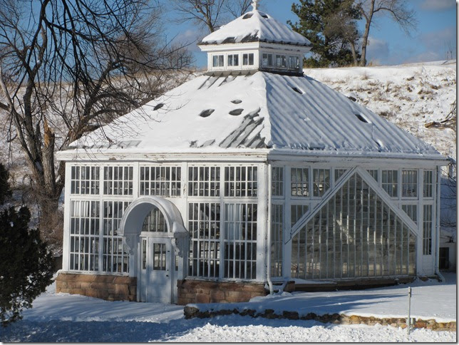 Dakota garden a victorian greenhouse for Victorian style greenhouse