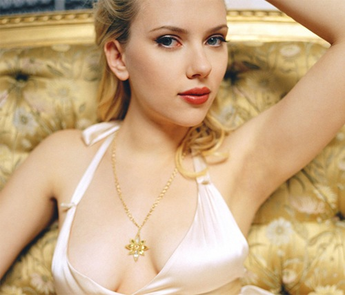Scarlett_Johansson_Hollywood_hot_actress_5