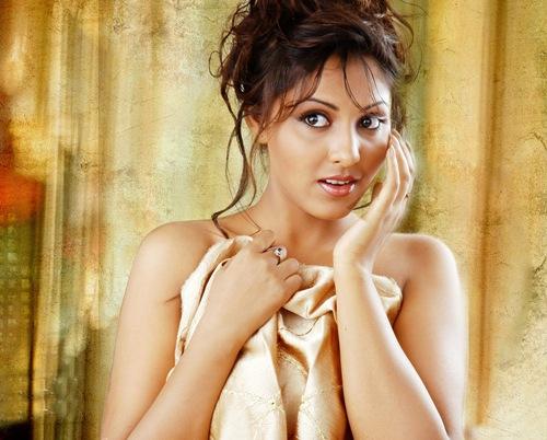 Madhu_shalini_Kollywood_hot_actress_1
