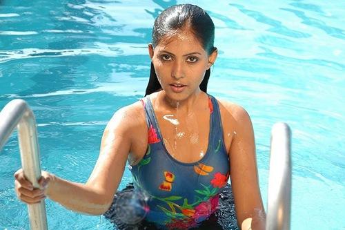 Madhu_shalini_Kollywood_hot_actress_3