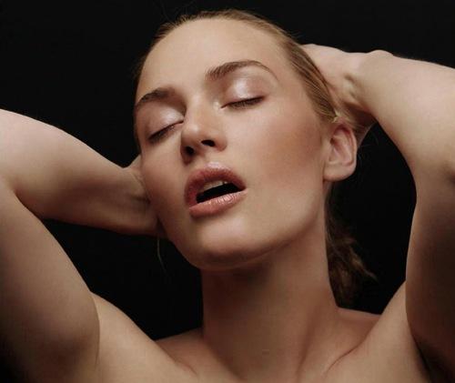 Kate_Winslet_Hot_Actress_14