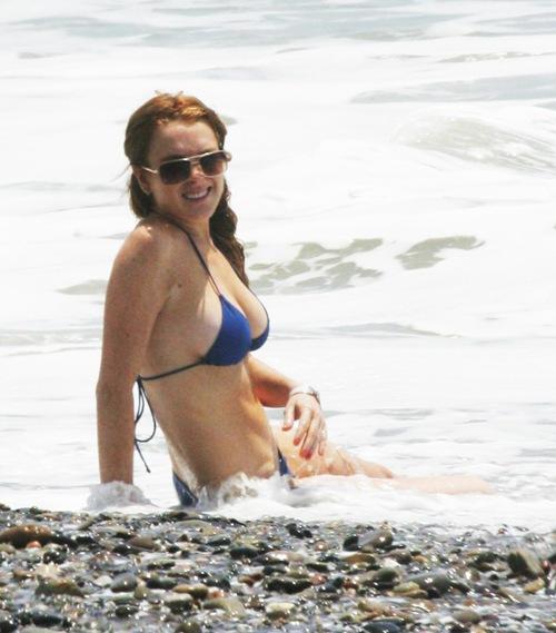 Lindsay_Lohan_Bikini_Photos_9