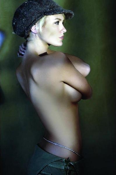 Nicky_Whelan_sexy_8
