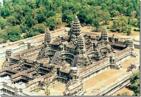 Templo hinduísta  de Angkor Wat, século XII, Caboja
