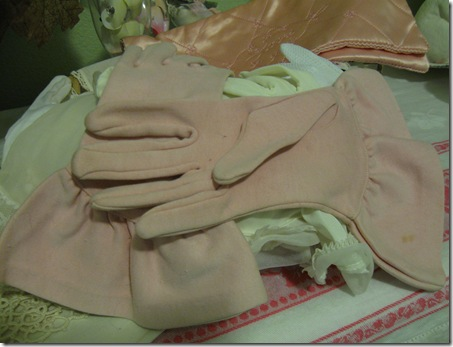 chinese new year tree pink gloves 011
