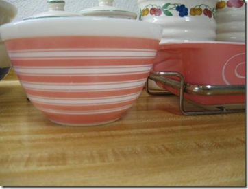 apron and pink pyrex 016