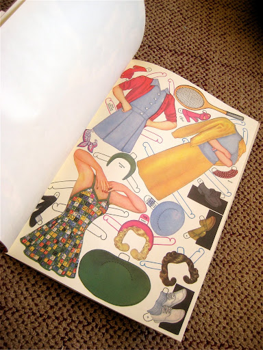 IMG 3651 Vintage Glamour Girl Paper Dolls GIVEAWAY