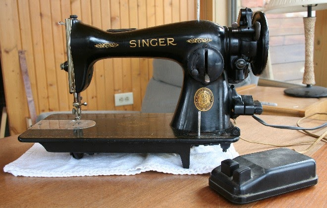 Male Pattern Boldness How To Buy A Vintage Sewing Machine Mesmerizing Antique Singer Sewing Machine Model 15 91