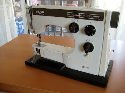 Male Pattern Boldness Top 40 Reasons To Buy A Vintage Sewing Machine Inspiration Husqvarna Viking Huskystar 224 Sewing Machine