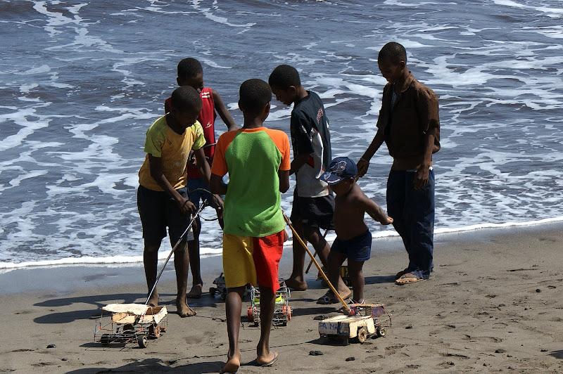 Os meninos dos carrinhos de arame, Cabo Verde