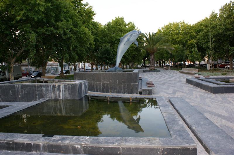 Fonte dos Golfinhos, Luisa Tody, Setúbal